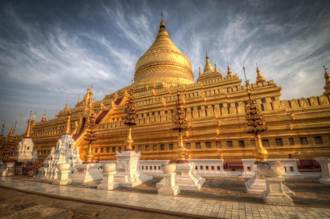 Shwezigon-Pagoda-Bagan-Myanmar